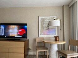 Really nice hotel right across from Waikiki Beach!