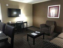 Executive Suite Living Room 2 Queen