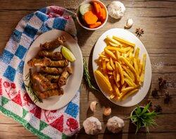 Longaniza Frita con Papas Fritas • Artisan Sausage with French Fries