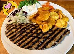 Bifteki mit Kartoffelchips und Tsatsiki, Nr. 45
