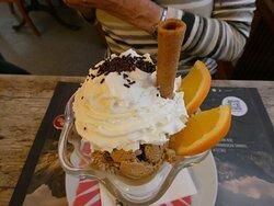 Dessert, Eis mit Sahne