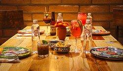 Tienen una basta variedad de bebidas con mixología muy mexicana