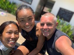 Diving instructor's team