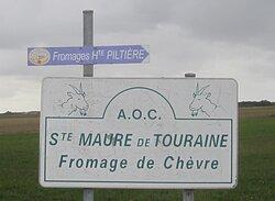 Fromagerie de Romain Charcellay et Cyril Charlot. Vue 1. Parcours Fléché Fromagerie. Sainte Maure de Touraine. Octobre 2020.