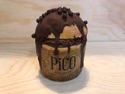 Mini Panettoncino ripieno di gelato al cioccolato fondente, una novità da Pico.