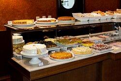 O nosso buffet de café da manhã é um dos mais elogiados, na Serra Gaúcha, contando com diversas receitas de família e um sabor incomparável.