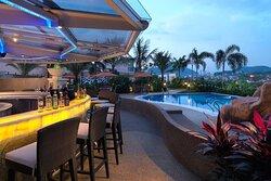 Poolbar & Grill