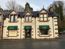 'Independant, Family Run Gift Shop At the Heart Of Loch ness. Great Gifts, Souvenirs And Local Knowledge, And Great Customer Experience. Please Feel Free To Park In An Our Private Car Park Alongside The Shop.'