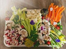 Légumes frais et tartinades maison pour 4