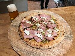 Pizza gourmet Danieleta