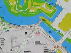 米沢藩上杉家江戸屋敷邸跡の碑の位置(赤字で記載 現在位置)