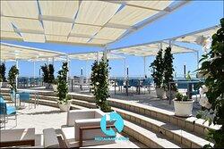 Zona del ristorante esterna con terrazza