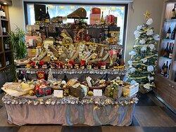Noi siamo pronti!!! ... Vi aspettiamo con tante bellissime idee per i vostri cesti natalizi ... e non solo!!!