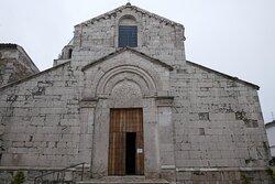 La facciata romanica