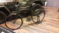 Sepeda lipat yang digunakan oleh tentara Nazi Jerman pada perang dunia