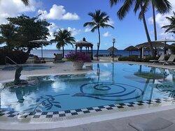 Very quiet pool,,my favourite