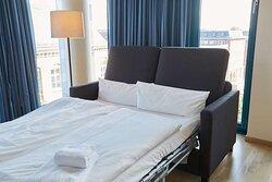 Scandic Hamburg Emporio room superior family FS convertible sofa