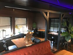 Barney Beer- Barney's Schiedam - De Beren Maasboulevard 3 interieur restaurant aan de Maas