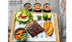Pork rib package include salad & wedges for 50k nett