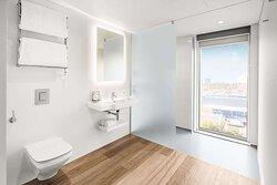 amsterdam first class bathroom