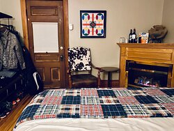 November 2020 - Salo Room - Cozy and comfy! 100% would stay here again in a heartbeat!