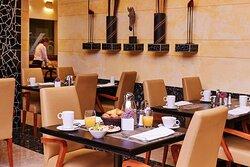 Steigenberger Airport Hotel, Frankfurt, Germany - Restaurant Five Continents, Breakfast