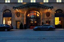 Steigenberger Grandhotel Handelshof, Leipzig, Germany - Hotel entrance, night