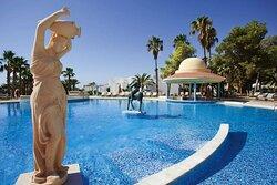 Steigenberger Marhaba Thalasso, Hammamet, Tunisia - Pool with bar