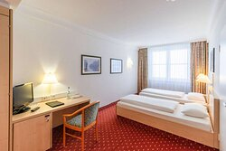 IntercityHotel Schwerin, Germany - Handicapped-accessible room