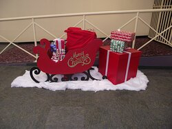 NH - ROCHESTER - LILAC MALL – CHRISTMAS DECORATION - SLEIGH