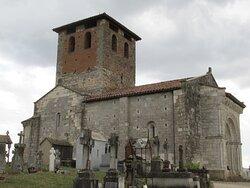 église (XIe s) à côté du cimetière