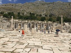 Sagalassos  Antik Kenti meydanı
