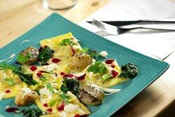 Piatto Pastello: la nostra pasca fresca ripiena del gionro.