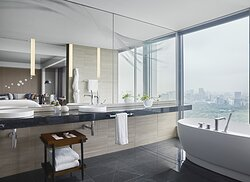 Four Season Suite Bathroom