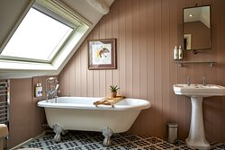 Snug Roll top Bath