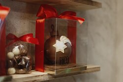 Gli addobbi natale sono migliori se gustabili, Pico vi augura un goloso Natale.