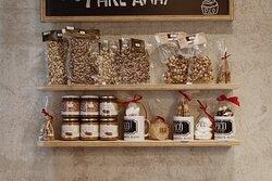 I prodotti Pico aumentano come il nostro spirito natalizio, assaggià la nostra frutta secca.