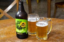 Temos várias opções de cerveja em garrafa, incluindo cervejas especiais.