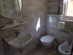 camere nuove con box doccia e aria condizionata.