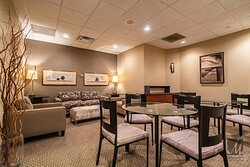 Client's desk and waiting area at Cincinnati's top beauty salon Mitchell's Salon & Day Spa