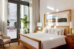 Deluxe King Balcony Room