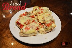 A delicious appetizer, Beach Bread.
