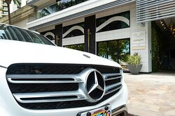 ESPACIO THE JEWEL OF WAIKIKI - Luxury Car Valet