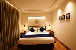 Well appointed Deluxe Room with king size bed