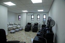 Salon/Barbershop/Spa....