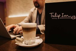 Theo's Bar & Restaurant