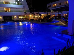 This is the main public pool in the middle of the hotel.