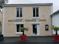 Restaurant la Rivière - Terrasse et Jardin à Basse goulaine