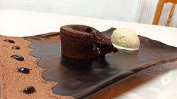 Coulant de chocolate con helado de vainilla