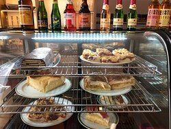 frisch gebackener Kuchen mit viele Liebe angerichtet - auch das erwartet Sie in unserem Nostalgie-Café